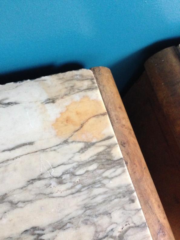Chevet bois et marbre