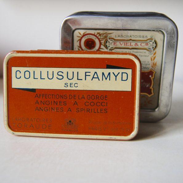 Boîtes de médicaments anciennes