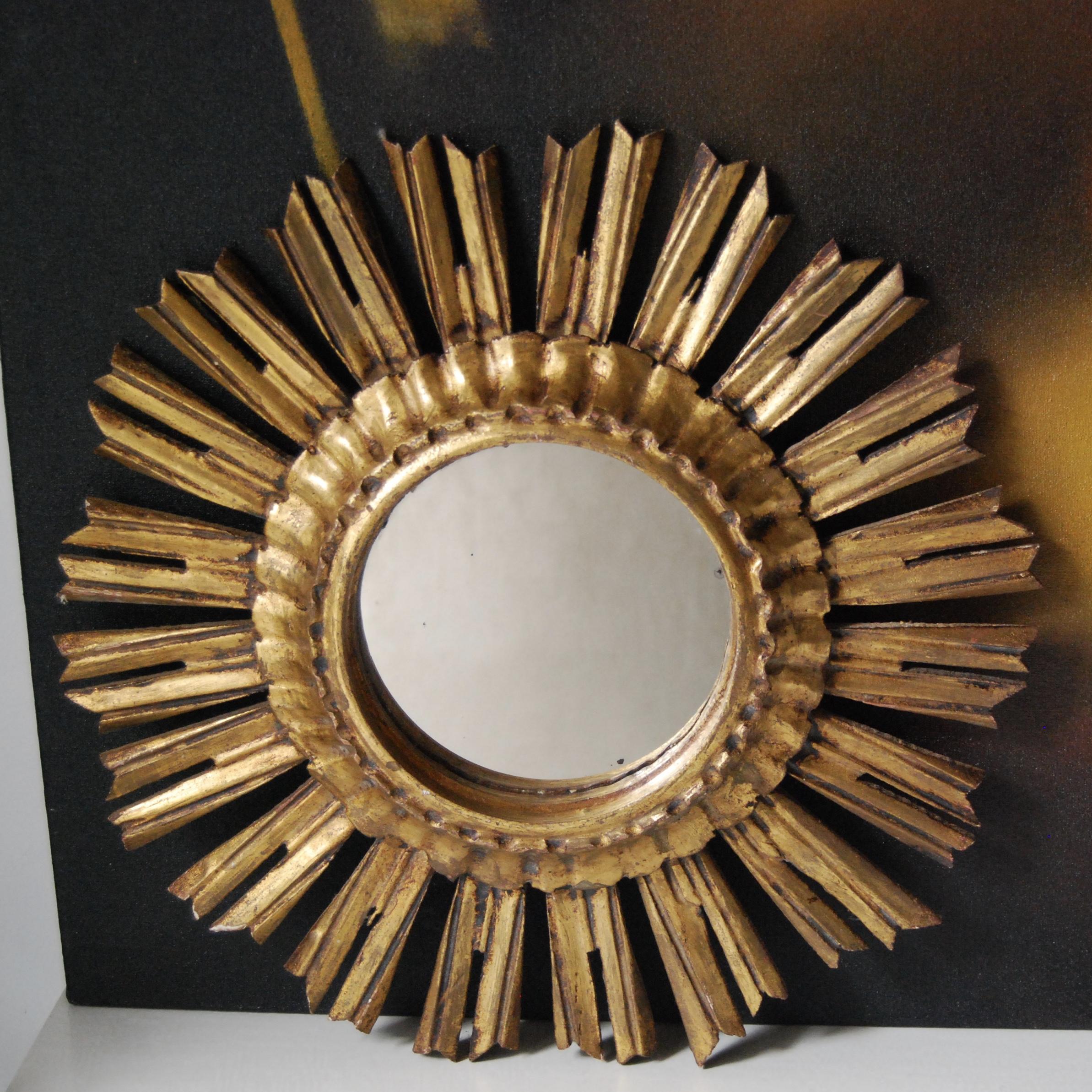 Miroir soleil en bois dor brocante avenue for Miroir soleil bois