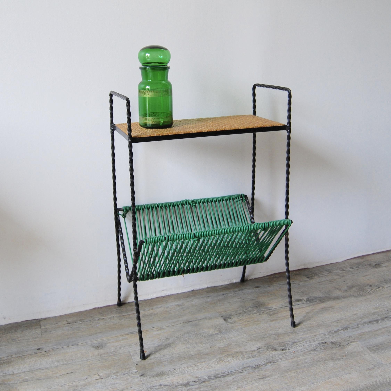 table porte revues scoubidou brocante avenue. Black Bedroom Furniture Sets. Home Design Ideas
