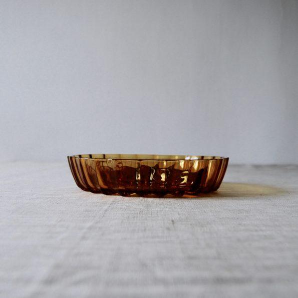 Ancien plat à compartiments ambre
