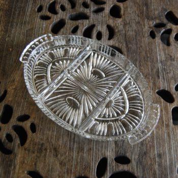Ancien plat à compartiments en verre