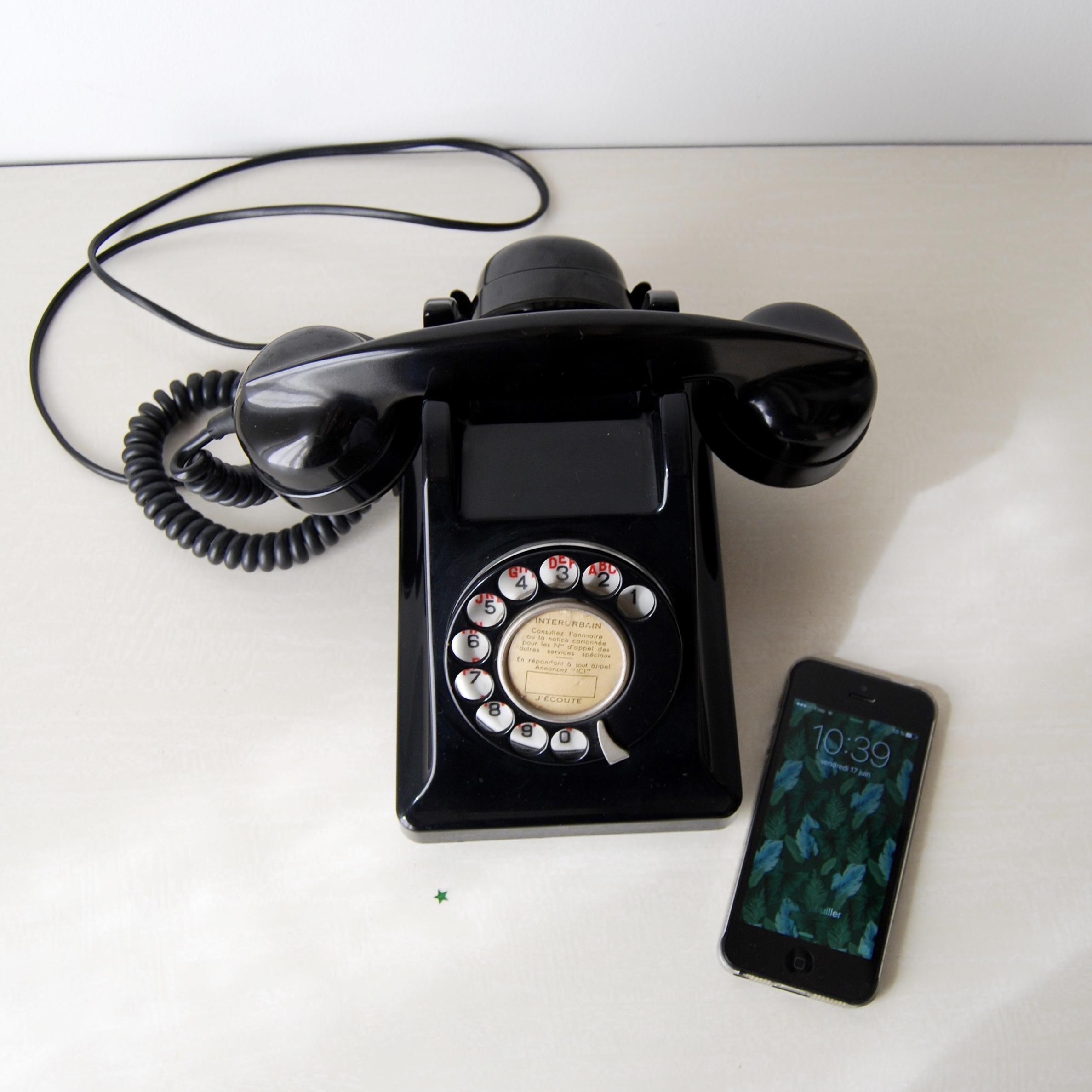 ancien annuaire téléphonique