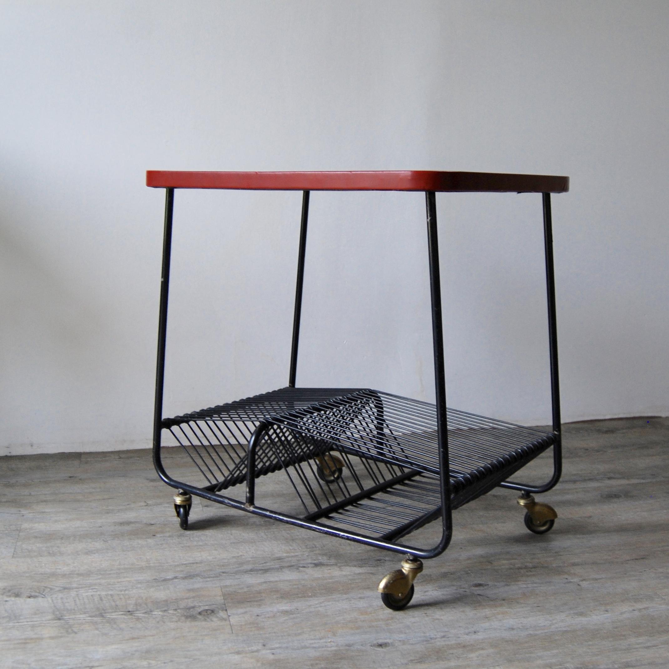 table porte vinyle vintage roulettes brocante avenue. Black Bedroom Furniture Sets. Home Design Ideas