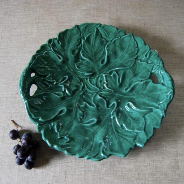 Plat en barbotine feuilles Digoin