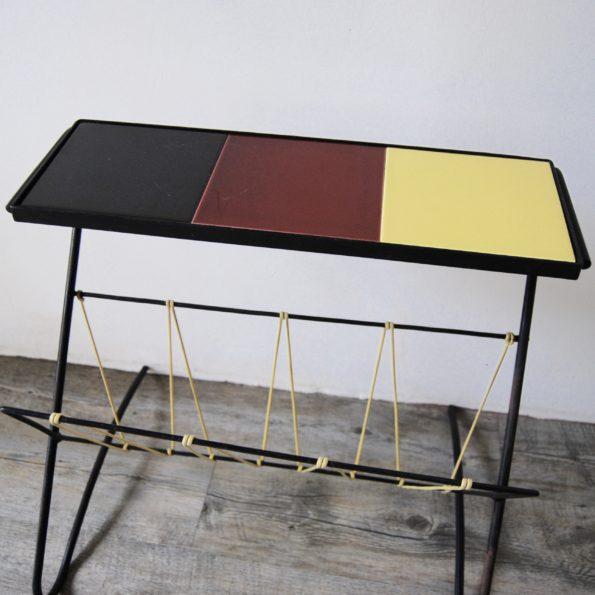 Table porte revue scoubidou et céramique vintage