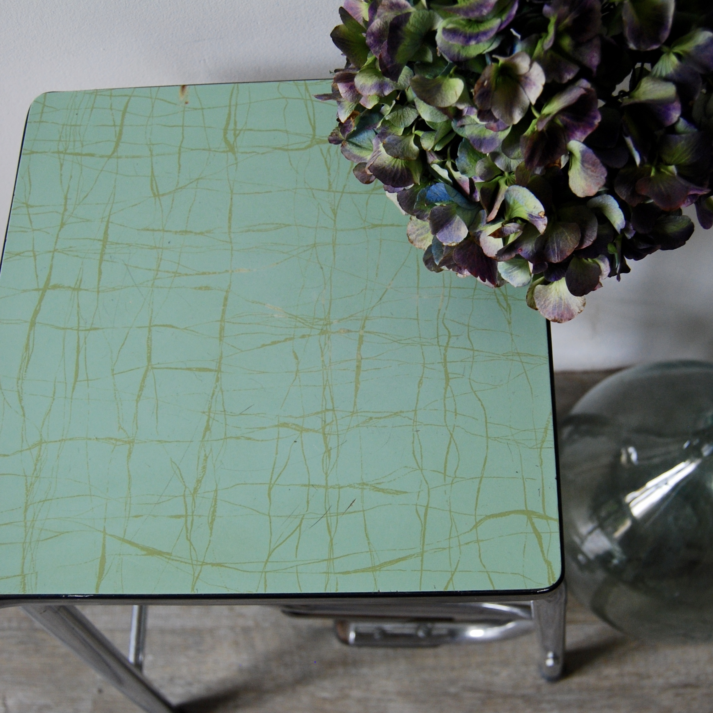 tabouret escabeau en formica vert mint brocante avenue. Black Bedroom Furniture Sets. Home Design Ideas