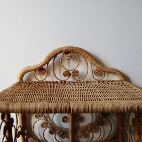 Table chevet en rotin peacock