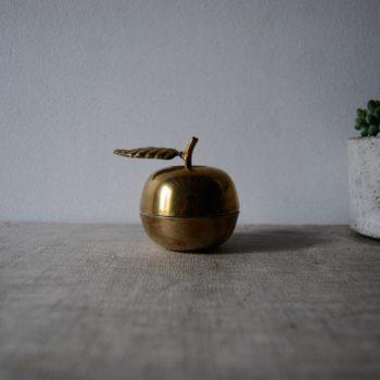 Petite pomme en laiton