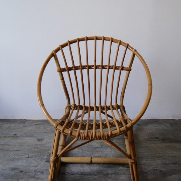 Rocking chair coquille rotin enfant vintage