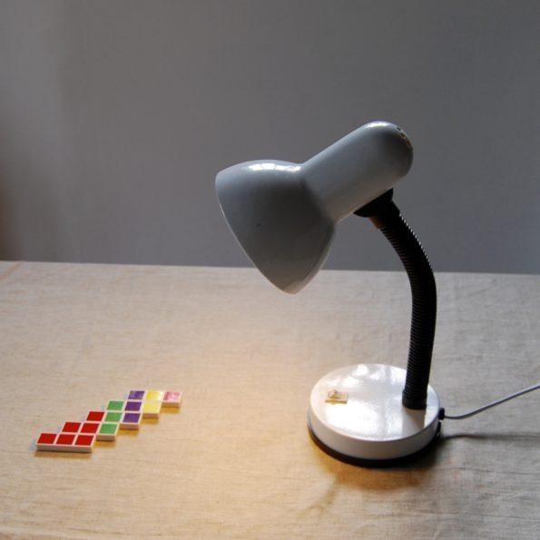 Lampe en métal laqué blanc