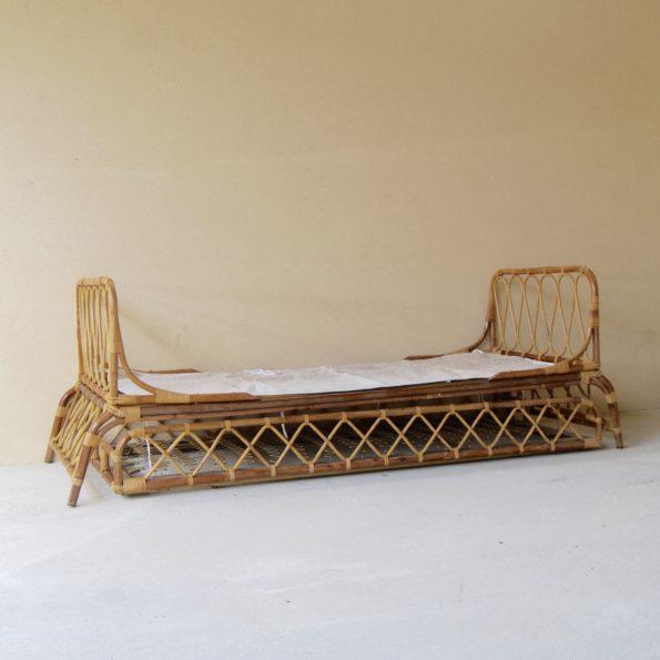 Lit enfant rotin vintage avec lit tiroir