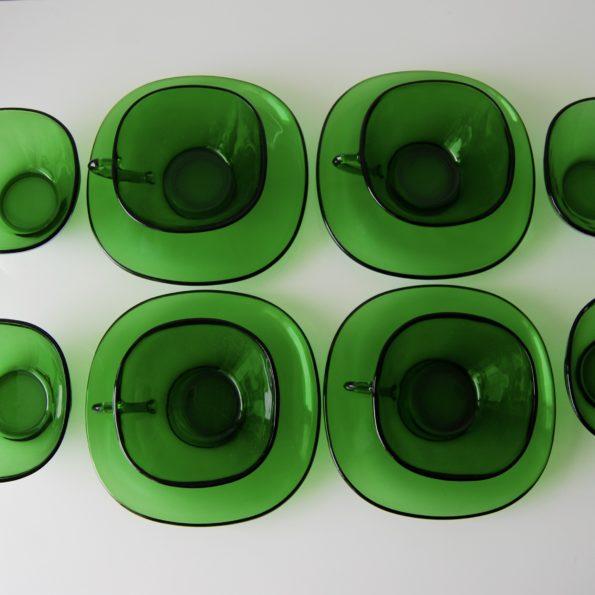 Tasses et soucoupes vert émeraude Vereco