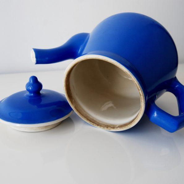 Cafetière en céramique bleu électrique