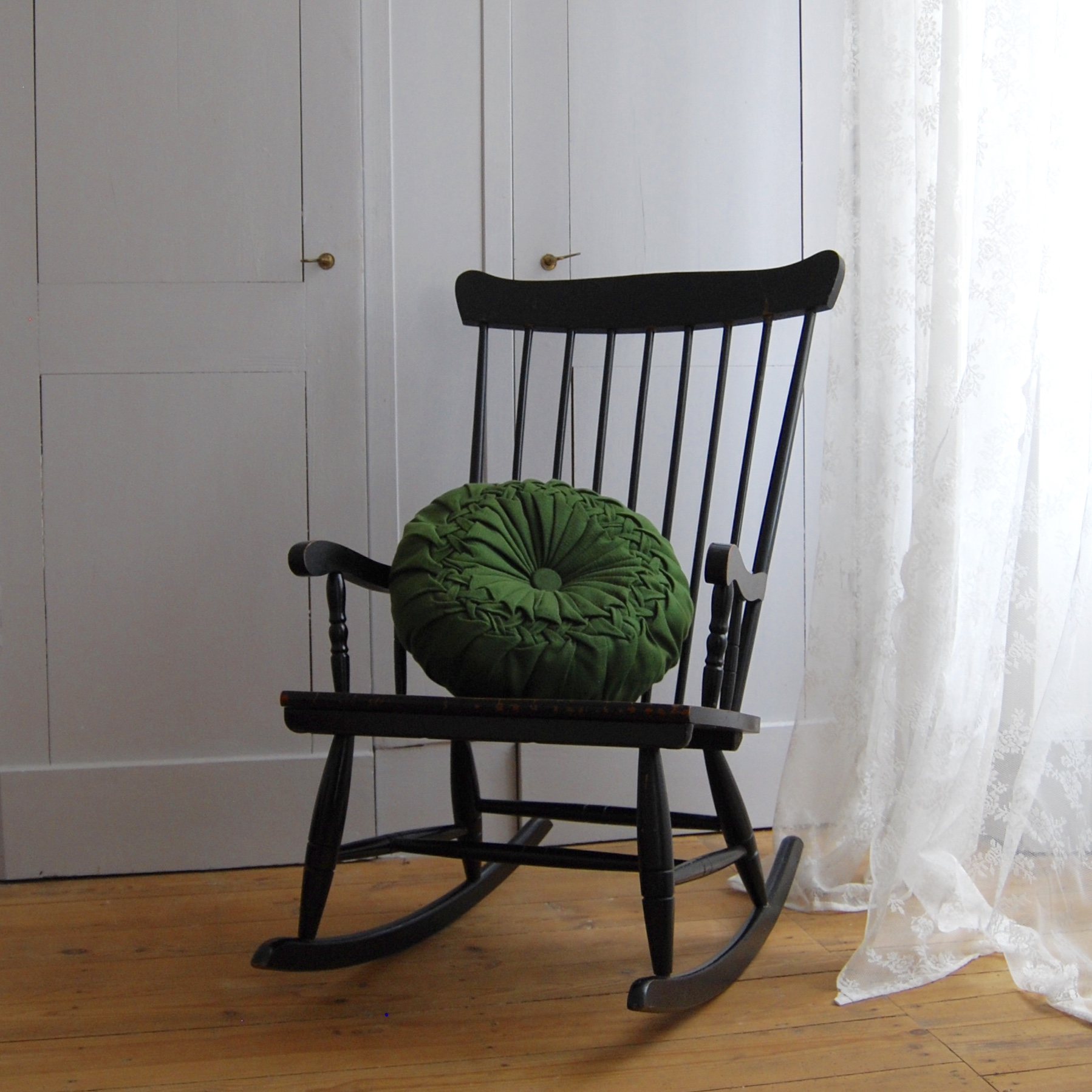 Rocking Chair Noir En Bois Brocante Avenue