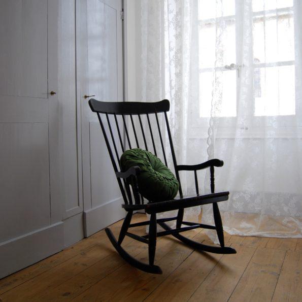 Rocking chair noir en bois