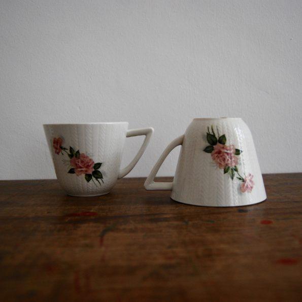 Grandes tasses blanche et rose