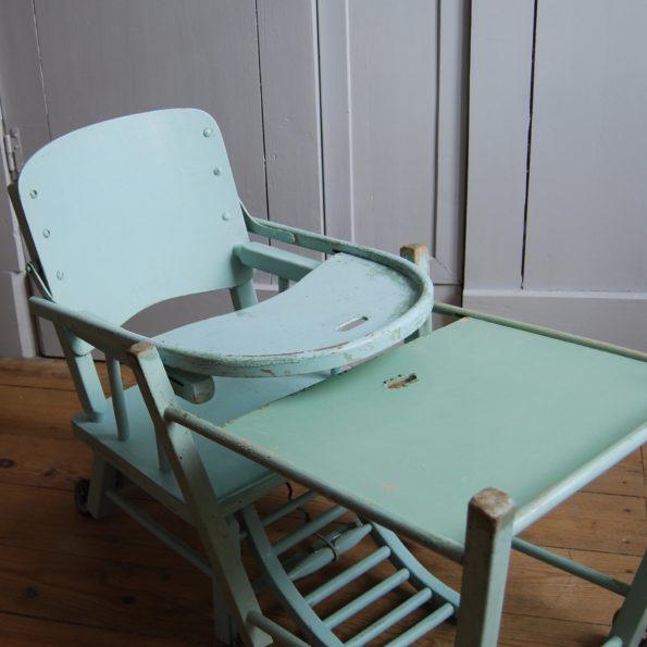 Chaise haute bébé vintage