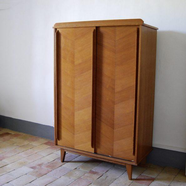 Armoire vintage en bois