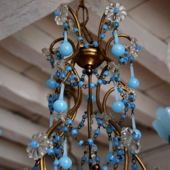 Lustre en opaline bleue