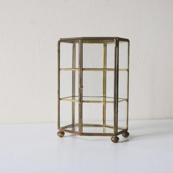 Vitrine en verre et laiton vintage pour objets de curiosité, trésors, bijoux