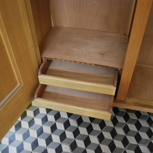 Armoire vintage bois et rotin