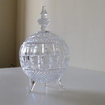 Bonbonnière drageoir en cristal sur pied tripode