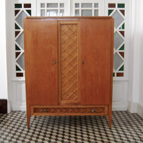 Armoire ancienne vintage bois et croisillons en rotin