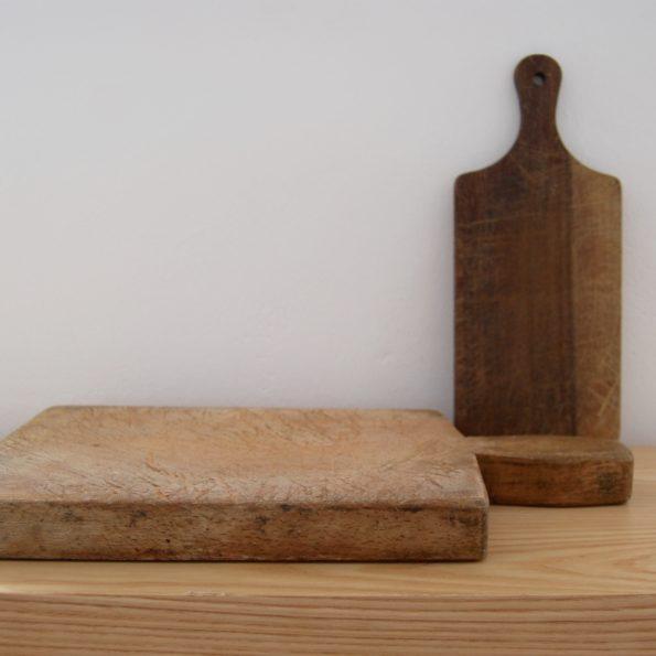 Anciennes planches à découper en bois vintage