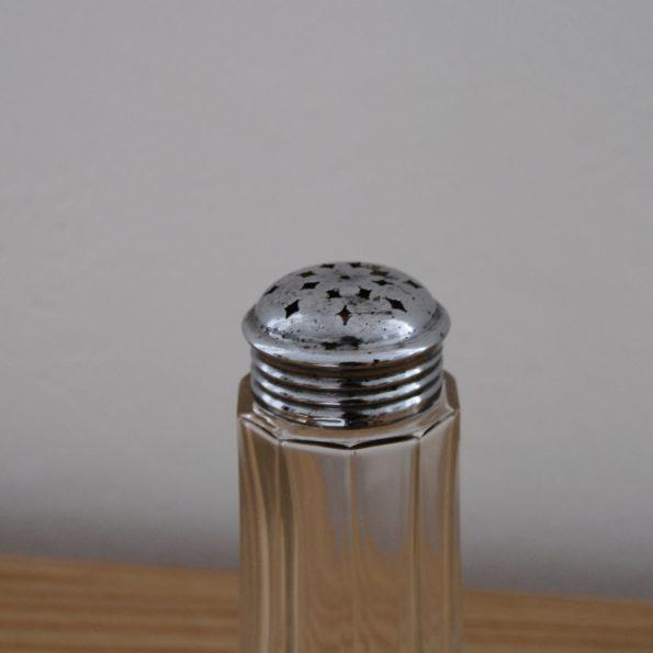 Sucrier en verre cristal taillé et métal