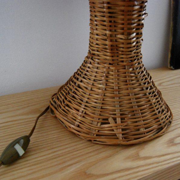 Lampe de table en rotin