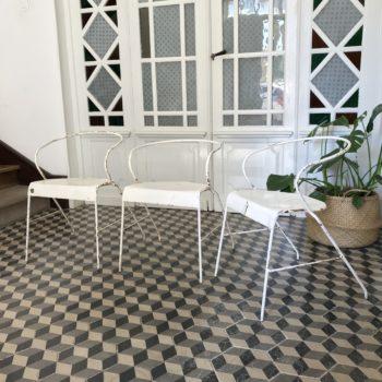 Chaises en métal blanc jardin extérieur