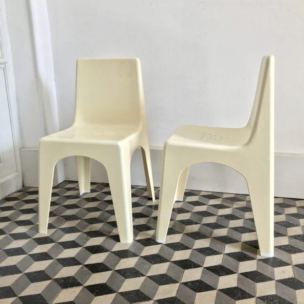 Chaise d'enfant en plastique vintage