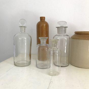 Flacons pharmacie anciens en verre