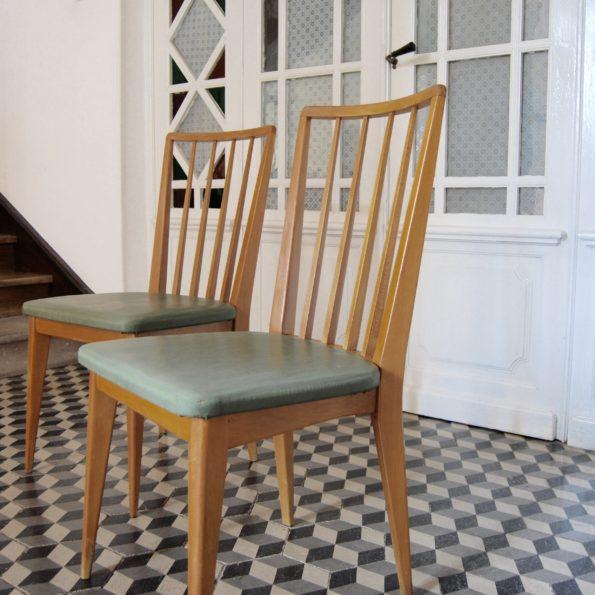 Chaises en bois et skaï vert scandinave vintage