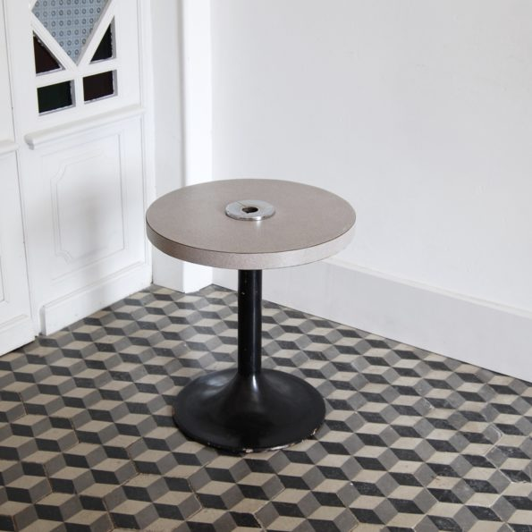 Table d'appoint pied tulipe 1970 cendrier vintage