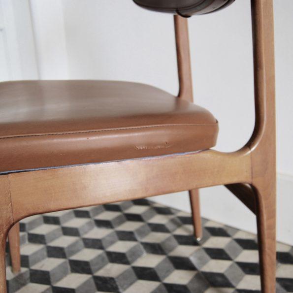 Chaises simili et bois style scandinave vintage