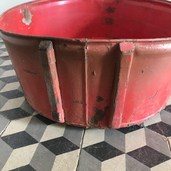 Bassine ancienne de vigneron métal bois rouge