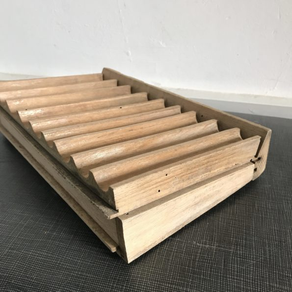 Monnayeur ancien en bois