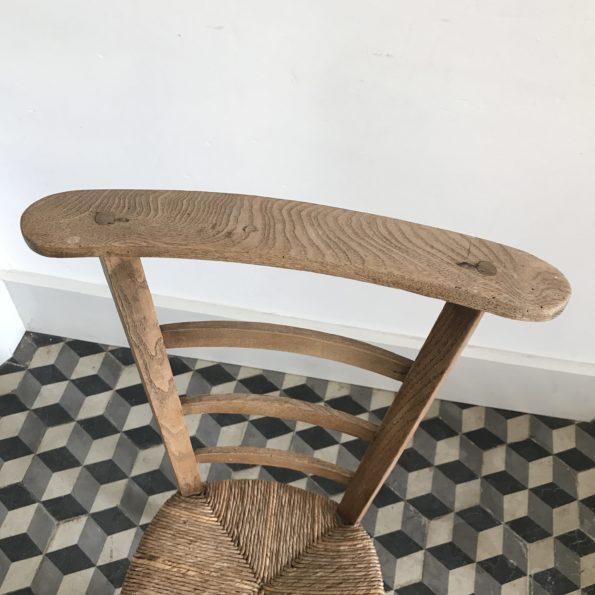 Chaise prie-dieu bois chêne paillée paille