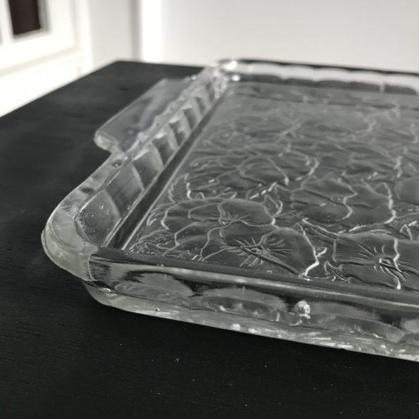 Plateau en verre transparent avec fleurs en relief goût lalique