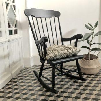 Rocking chair en bois peint en noir vintage
