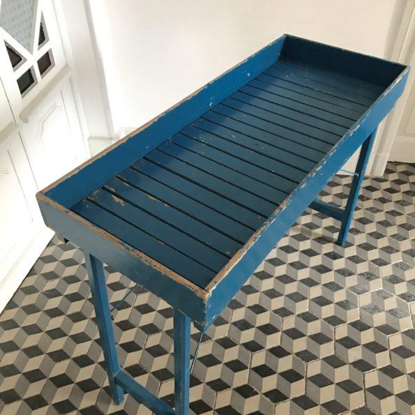 Table pliante en bois bleu porte plantes console