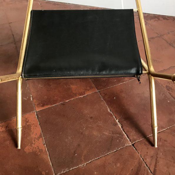 Table porte revue en verre et métal doré laiton vintage