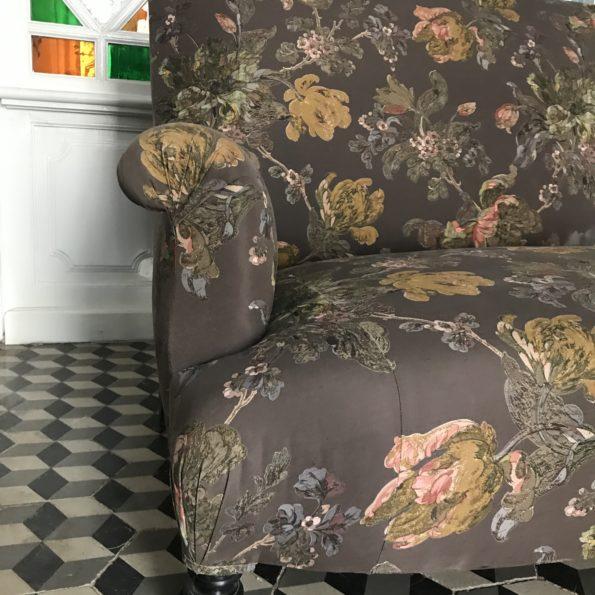 Canapé Napoléon III tissu motif fleurs