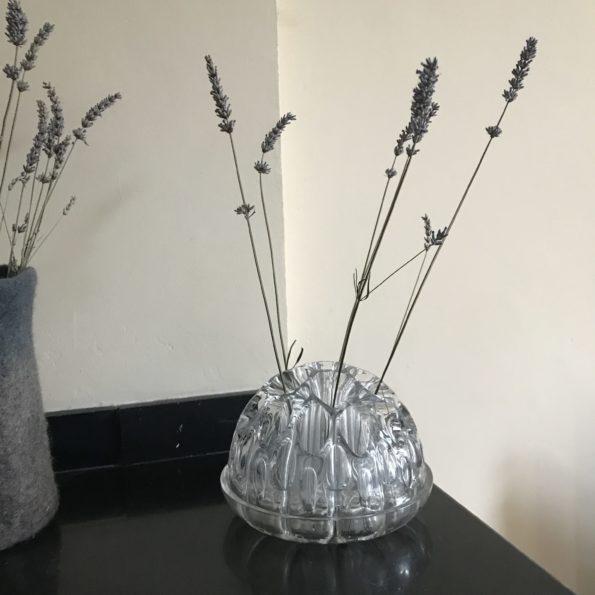 Pique fleurs en verre 30 trous cristal