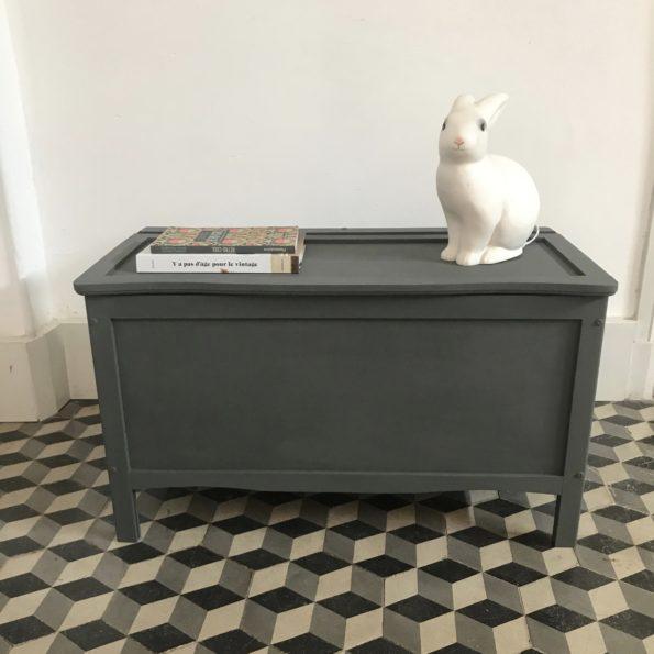 Coffre à jouets en bois peint en gris trench coat Peinture Libéron