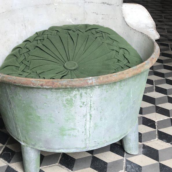 Bassine ancienne en zinc baignoire enfant jardin