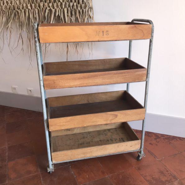 Desserte à roulettes 5 plateaux en bois structure métal ancien atelier maroquinerie meuble de métier