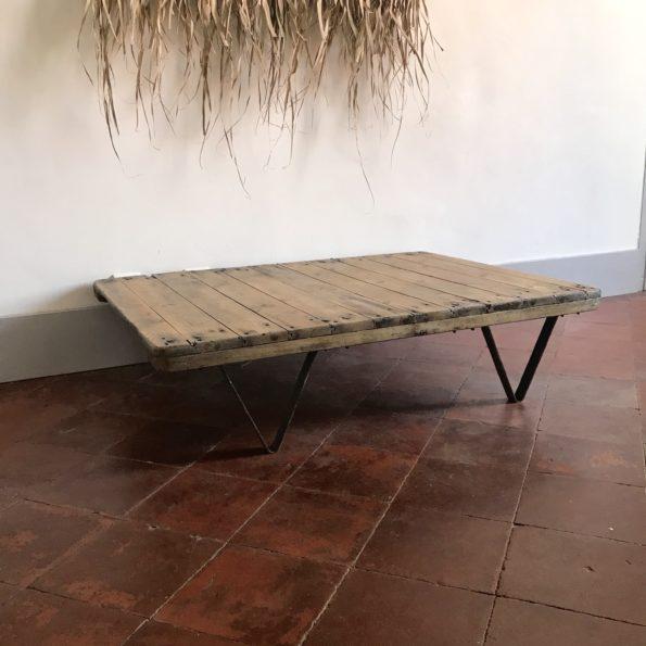 Table basse industrielle vintage palette atelier usine bois métal